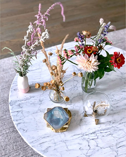 Mesa auxiliar redonda de mármol
